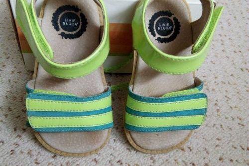 Prodám téměř nenošené sandálky Livie and Luca