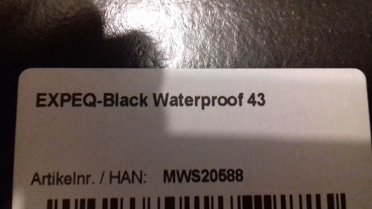 ZAQQ EXPEQ BLACK WATERPROOF VEL. 43 NOVÉ !